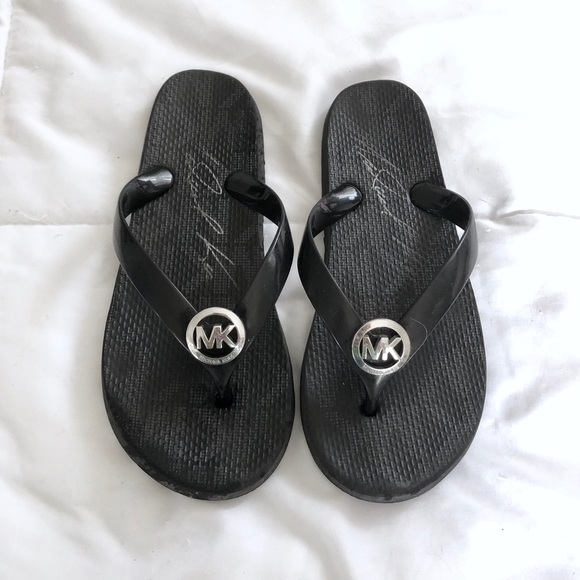 big discount best deals on superior quality Michael Kors | 6 | Jet Set Rubber Flip Flops